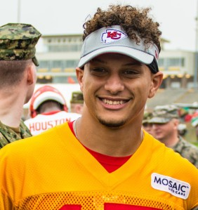 Kansas City Chiefs host military appreciation day at training camp